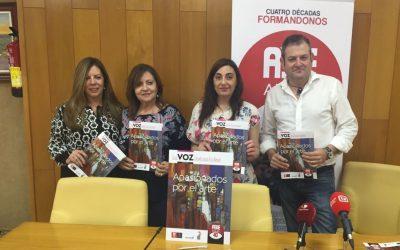 El colectivo Aulas presenta su revista anual