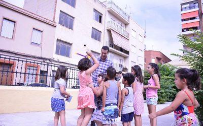 Las Asociaciones de Vecinos ofrecen talleres de verano a 300 niños durante el mes de julio