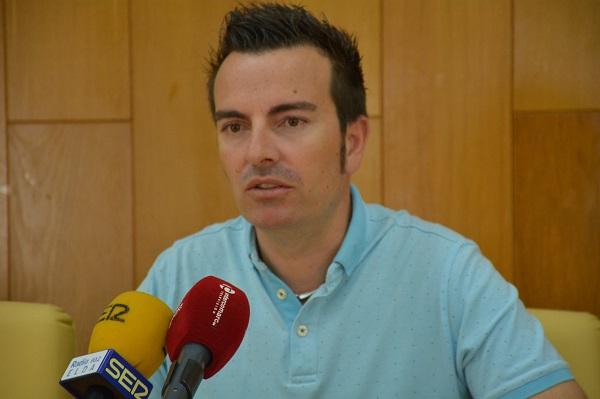 El Ayuntamiento invertirá cerca de 70.000 € en un nuevo contrato de poda del arbolado al que se dedicarán 9 personas hasta final de año