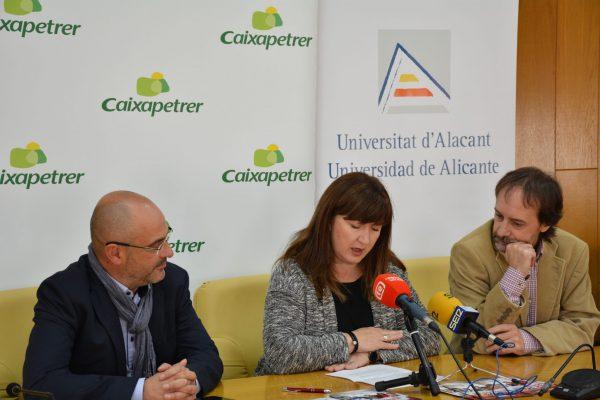 La Sede Universitaria y Caixapetrer premian a los jóvenes investigadores