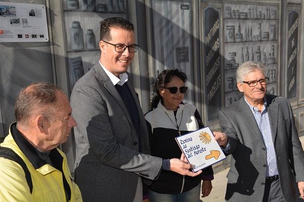 Elda señaliza la ruta del Camino de Santiago a su paso por en interior del casco urbano