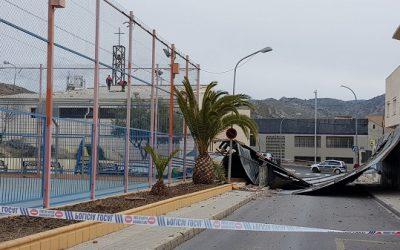 La Policía Local lleva a cabo 19 intervenciones el fin de semana como consecuencia del viento
