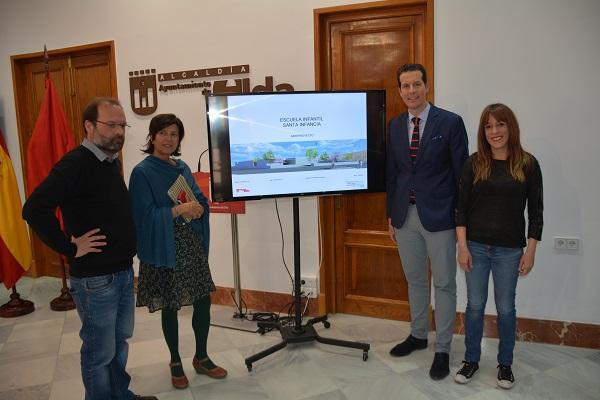 El Ayuntamiento presenta a la Comunidad Educativa del Santa Infancia el anteproyecto de la nueva escuela