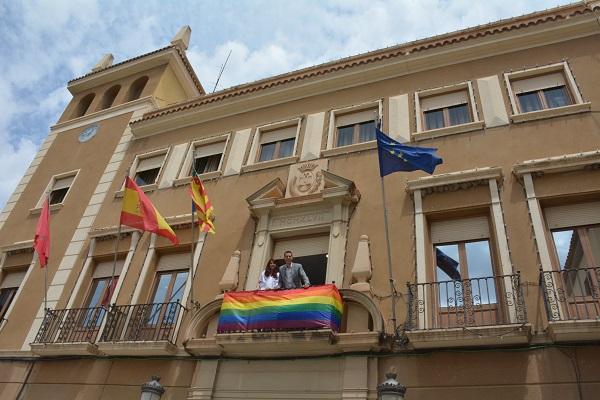 El Ayuntamiento pone la bandera arcoiris en el Día del Orgullo LGTBI como muestra de reconocimiento a este colectivo