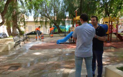 Mantenimiento inicia un programa de baldeo y riego especial que se suma a los trabajos ordinarios