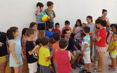 Ciento cuarenta niños participan en la Escuela de Verano de los Barrios que organiza Participación Ciudadana