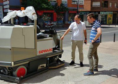 El Ayuntamiento prueba nueva maquinaria para el servicio de limpieza con el fin de renovar la flota actual y dar un mejor servicio