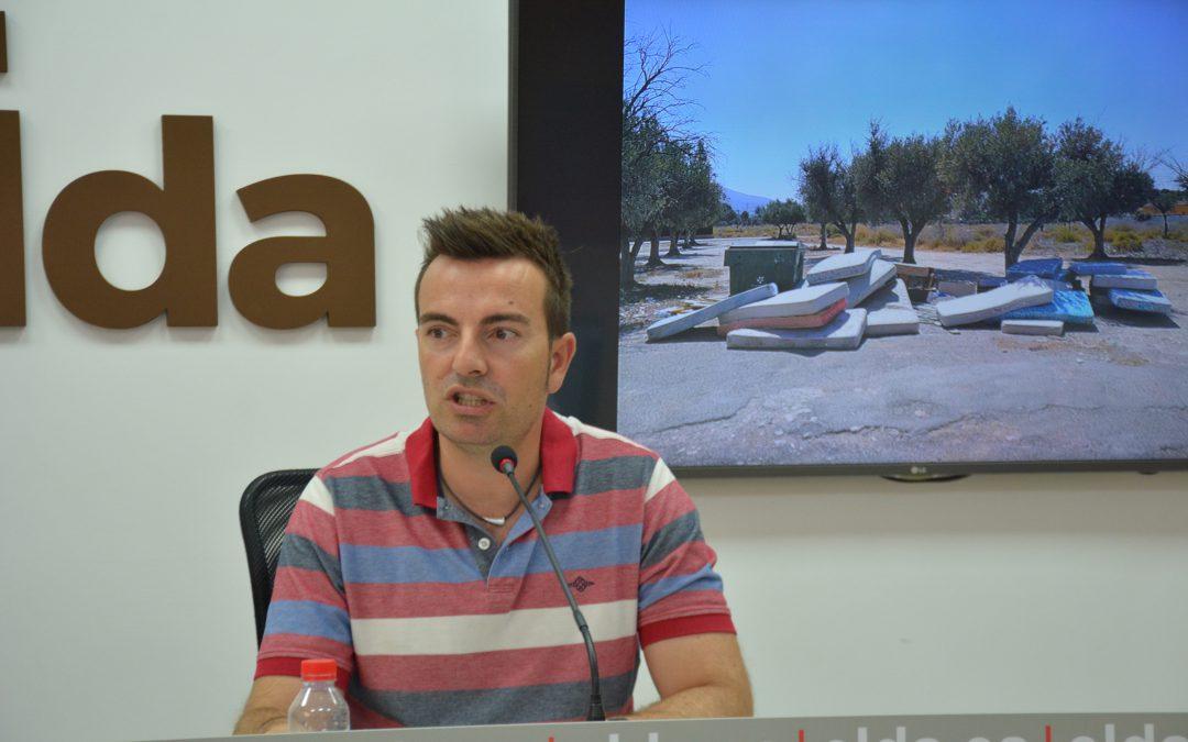 El Ayuntamiento de Elda denuncia una oleada de abandonos de enseres