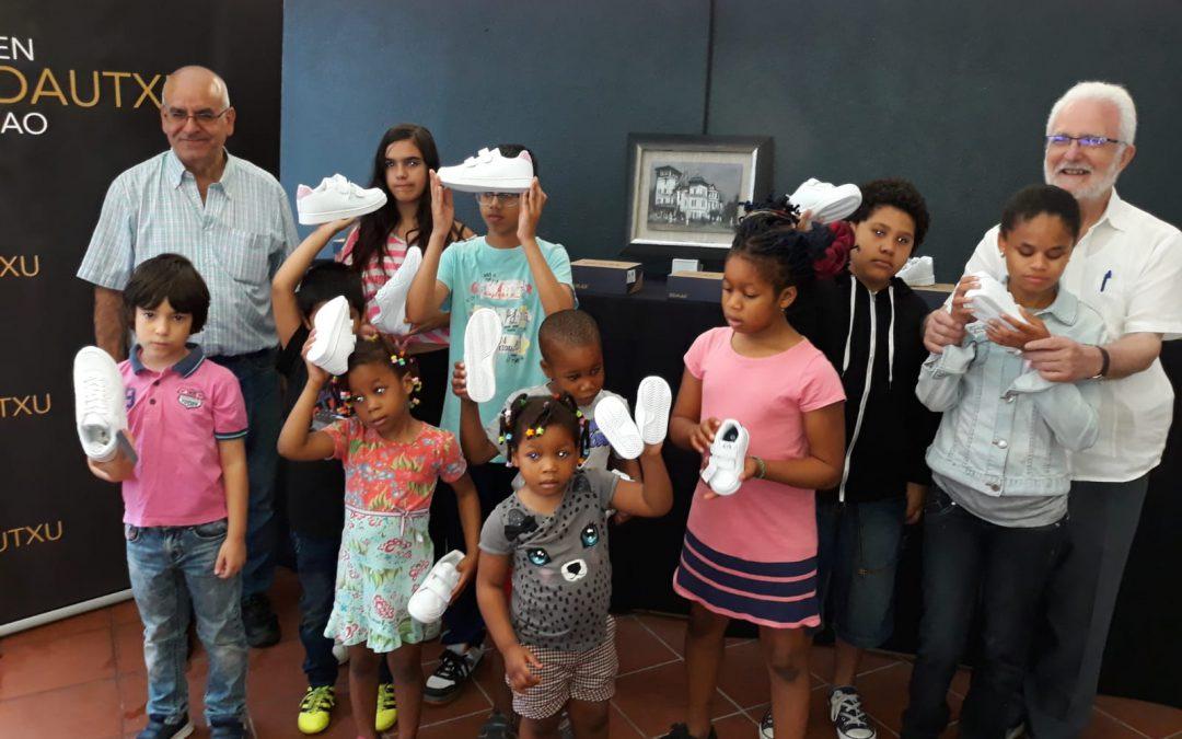 La unión solidaria entre Elda y Bilbao calza ya a los primeros 200 niños sin recursos