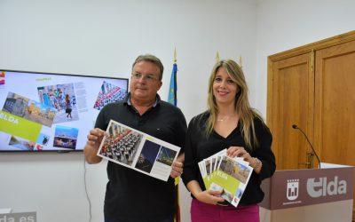El Ayuntamiento presenta el folleto turístico 'Elda ciudad de contrastes' y otorga el carnet de embajador de Elda a Juan Justamante