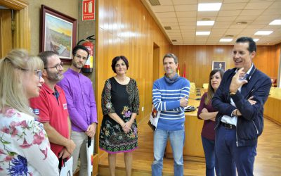 El Ayuntamiento recibe a los profesores de Francia e Italia que participan en el Programa Erasmus Plus junto al IES La Torreta