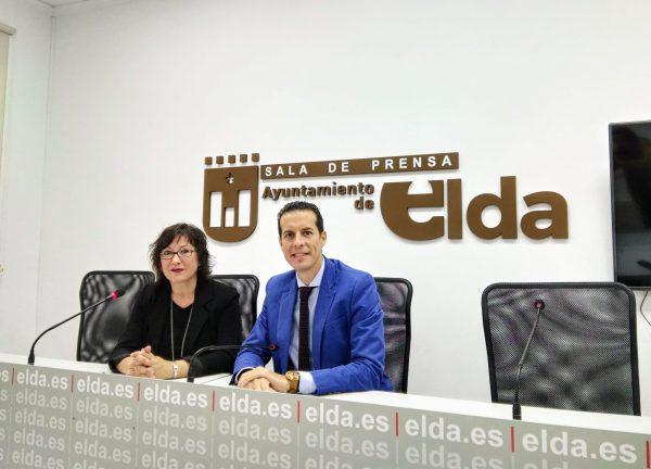 La gerente del Departamento de Salud junto al alcalde de Elda.