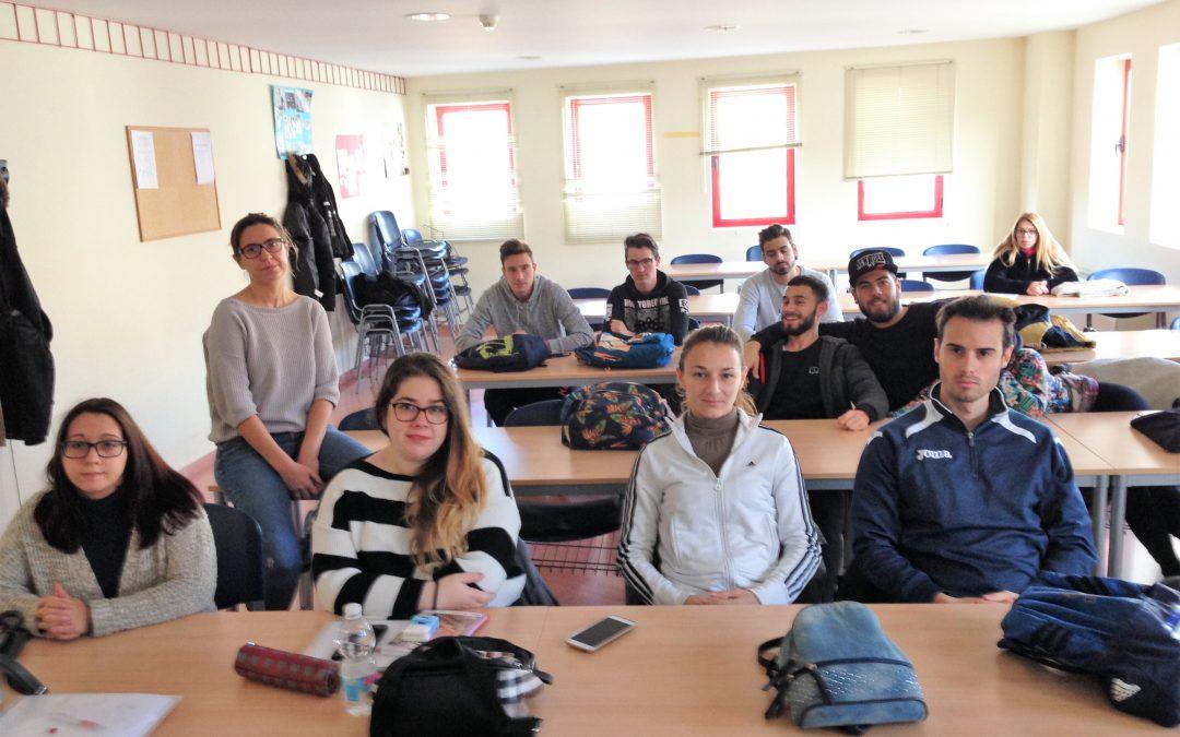 Una docena de jóvenes completan el curso de formación en Operaciones Auxiliares de Comercio y Almacén