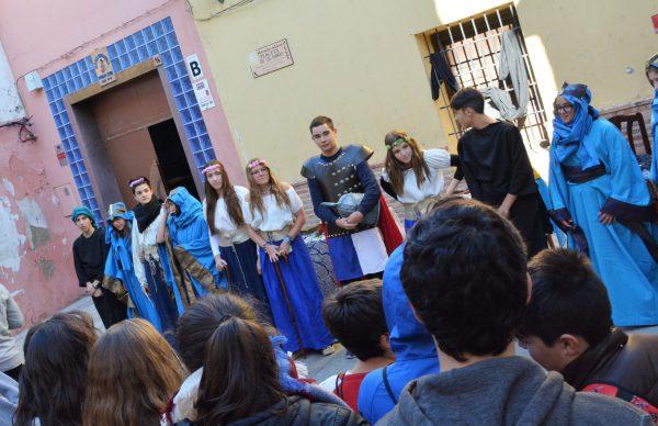 Momento de la interpretación teatral de La Llave de Elda.