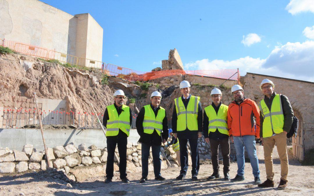 Las obras del antemural del Castillo de Elda finalizarán el próximo mes de marzo