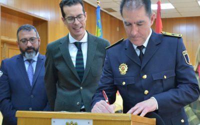 Francisco Cazorla toma posesión como Comisario Principal de la Policía Local de Elda
