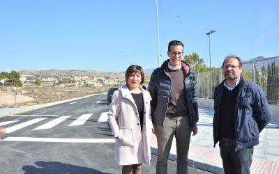 El Ayuntamiento de Elda finaliza la mejora de los accesos al IES Monastil y detalla las obras de reforma incluidas dentro del Plan Edificant