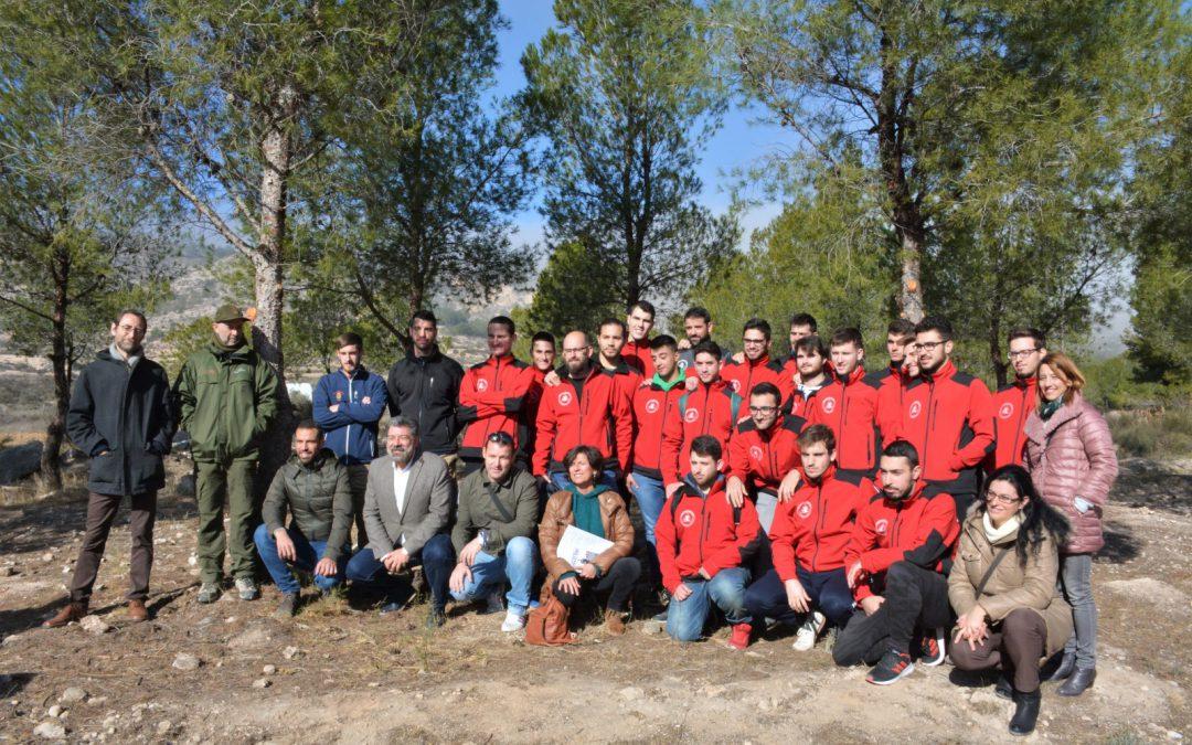 El Ayuntamiento, en colaboración con el CIPFP Valle de Elda, ha gestionado la zona del Monte de la Lobera para adecuarla la legislación de prevención contra incendios