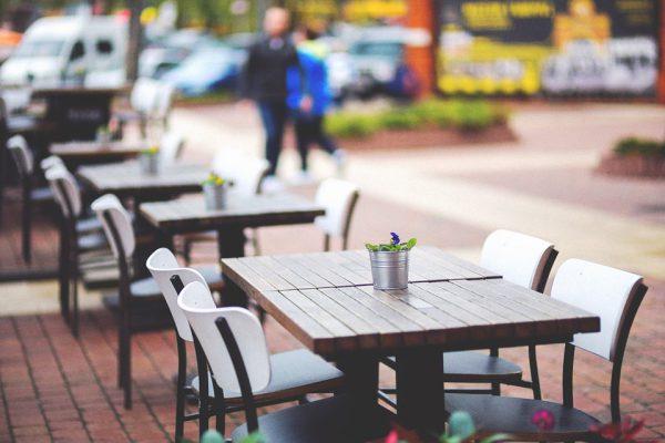Urbanismo mejora la gestión de las autorizaciones de ocupación de vía pública con mesas y sillas