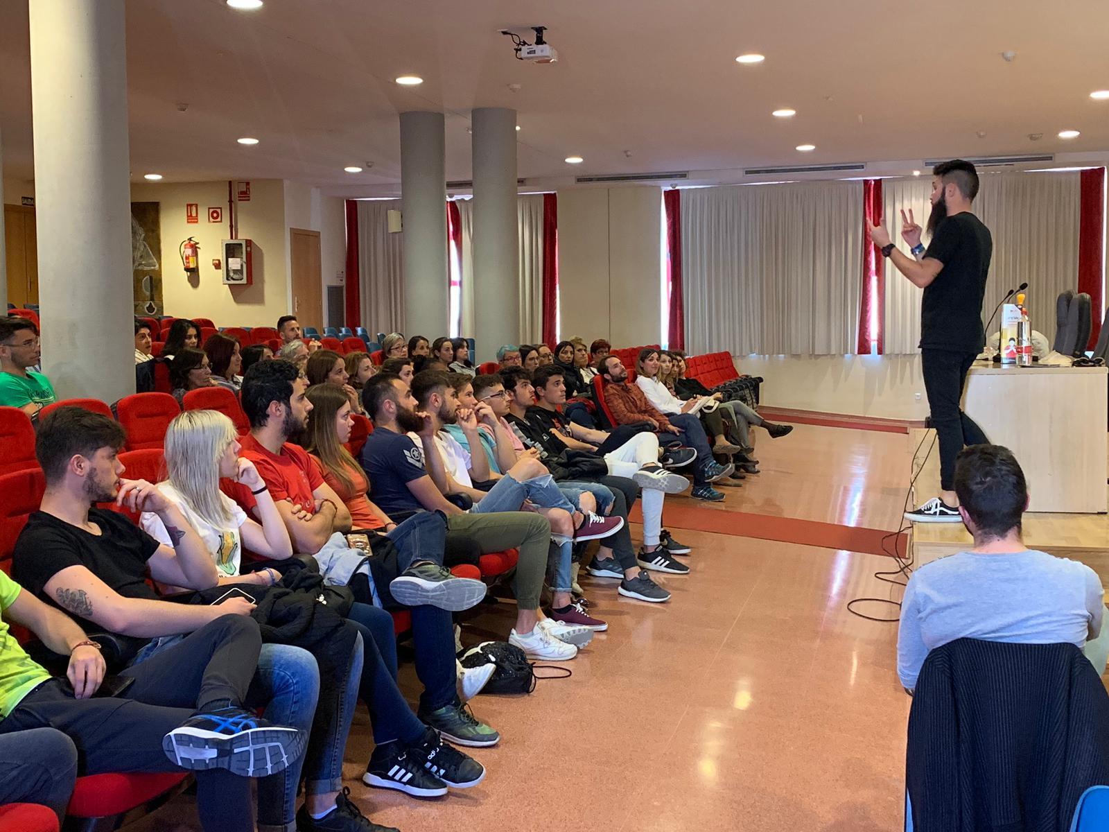 Sesenta personas participan en las sesiones de formación para evitar asfixias por atragantamiento