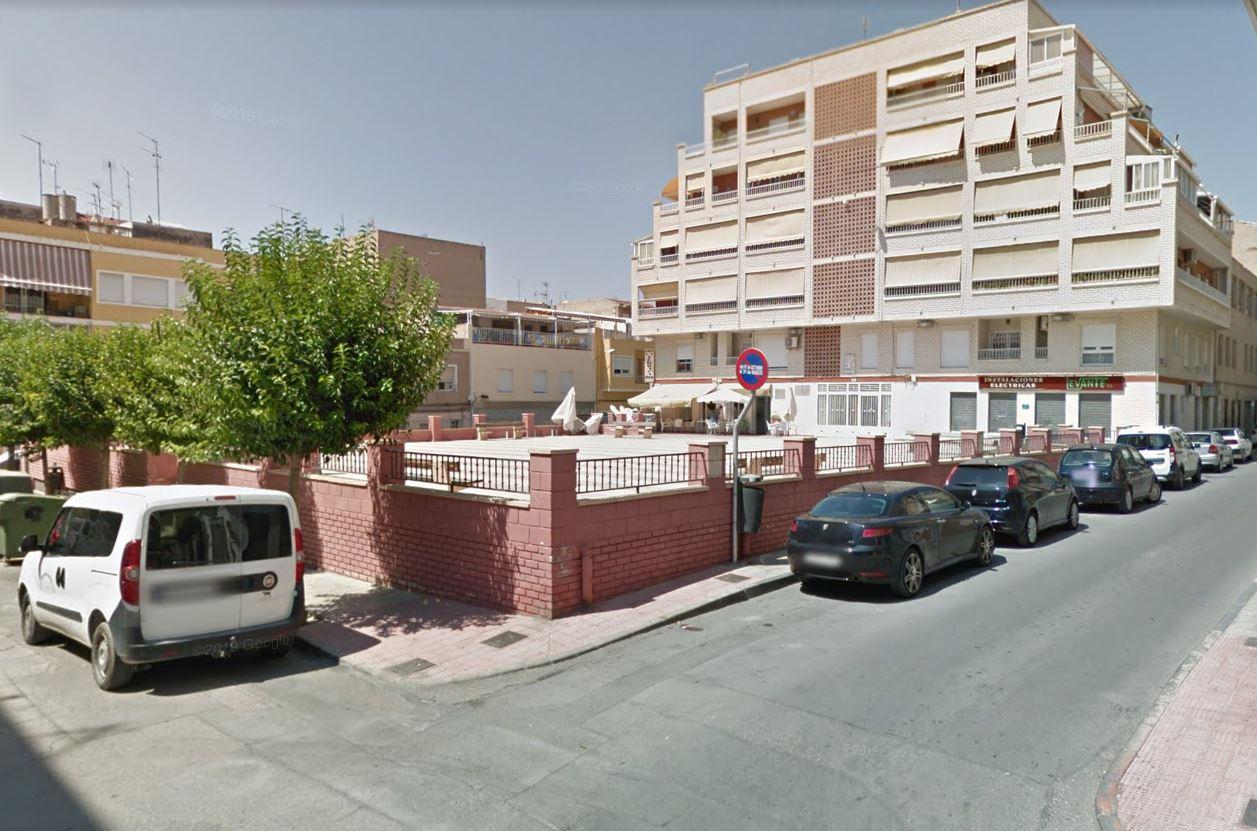 El Ayuntamiento inicia el lunes la construcción de una rampa para mejorar la accesibilidad de la Plaza Poeta Paco Mollá