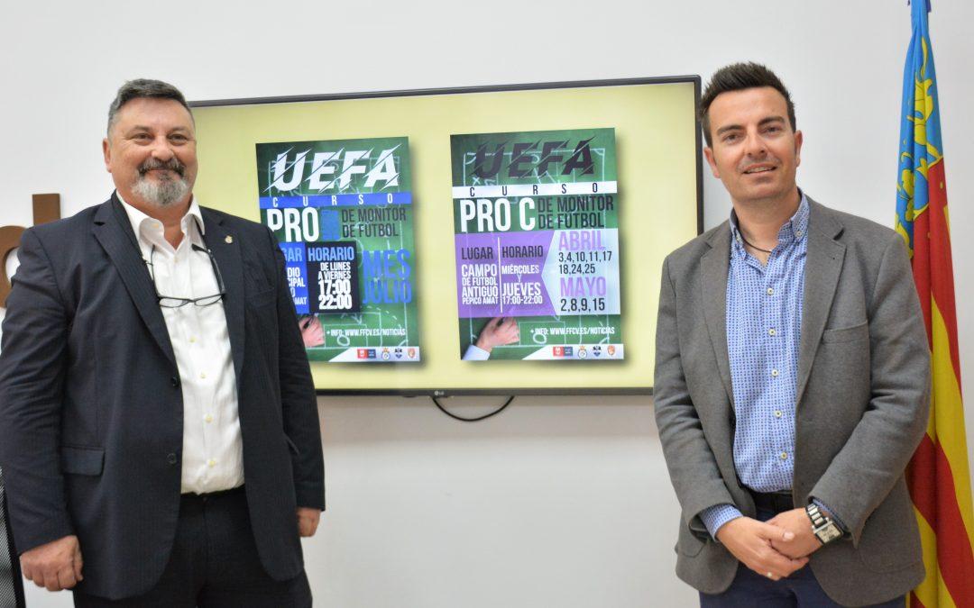 Elda acoge una jornada formativa y dos cursos UEFA para entrenadores y monitores de fútbol base