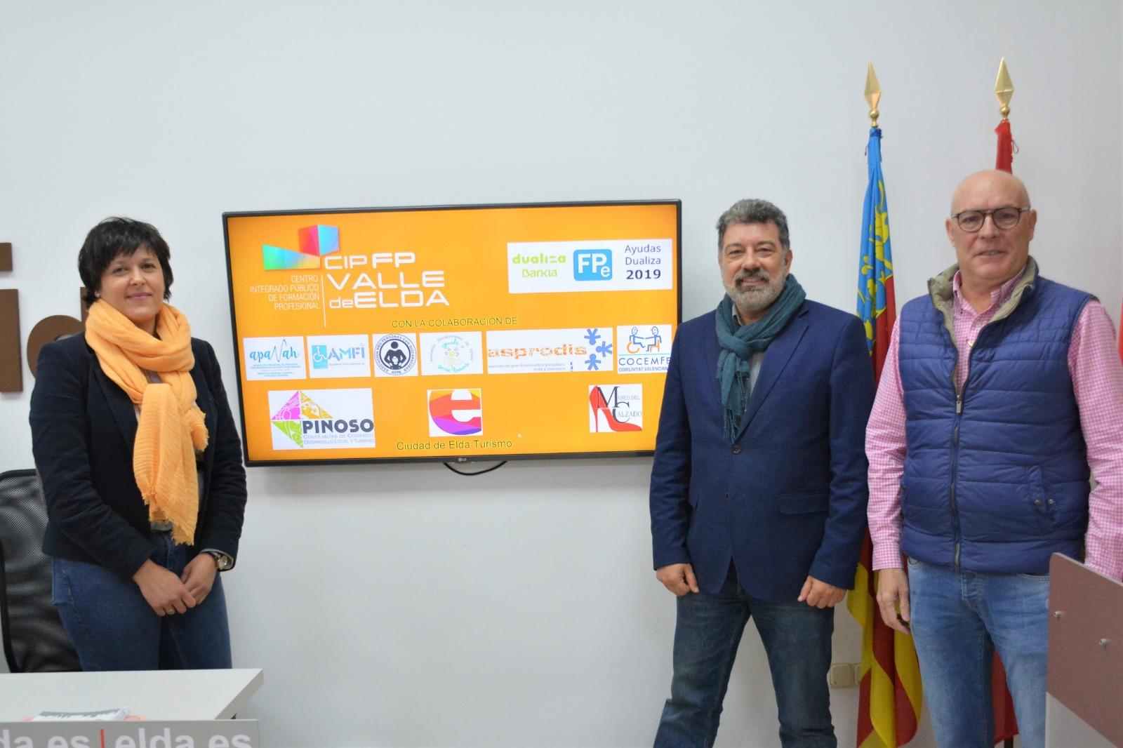 'Turismo para todos y todas: un proyecto de Turismo Interior Inclusivo', realizado por el CIPFP Valle de Elda, ha sido seleccionado en los Premios Dualiza 2019