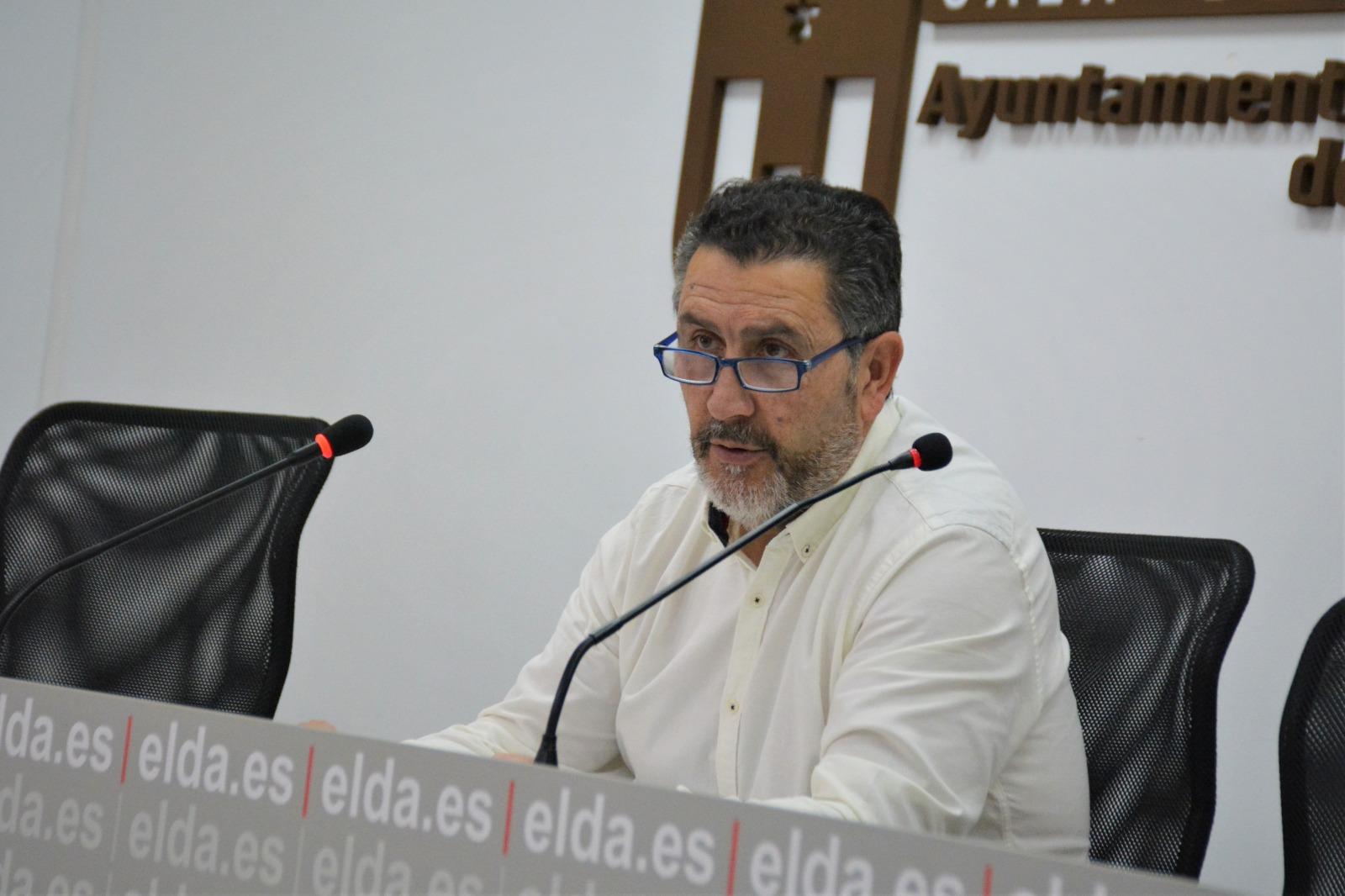 El Ayuntamiento de Elda aprueba las bases para las becas de transporte público universitario del curso 2018-2019
