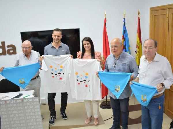 El artista eldense Salvador Lázaro diseña la camiseta para 'correr la traca' en las Fiestas Mayores de la ciudad