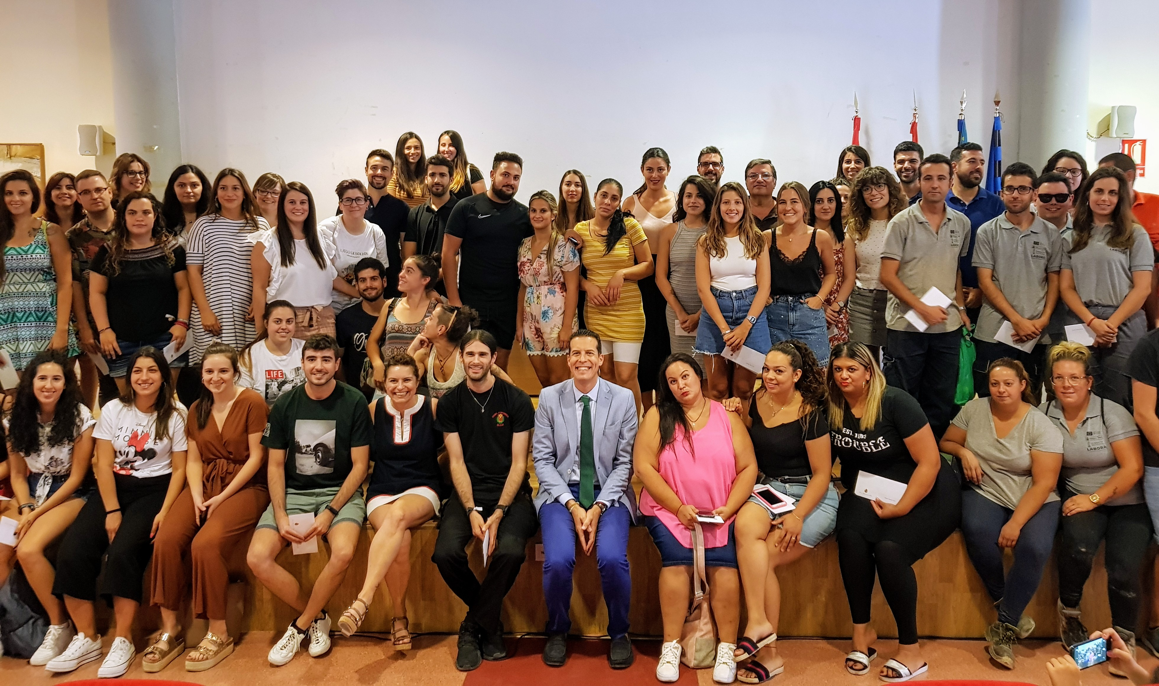 Rubén Alfaro agradece la labor de los más de 100 jóvenes de los programas Emcuju y Empuju que han trabajado en el Ayuntamiento