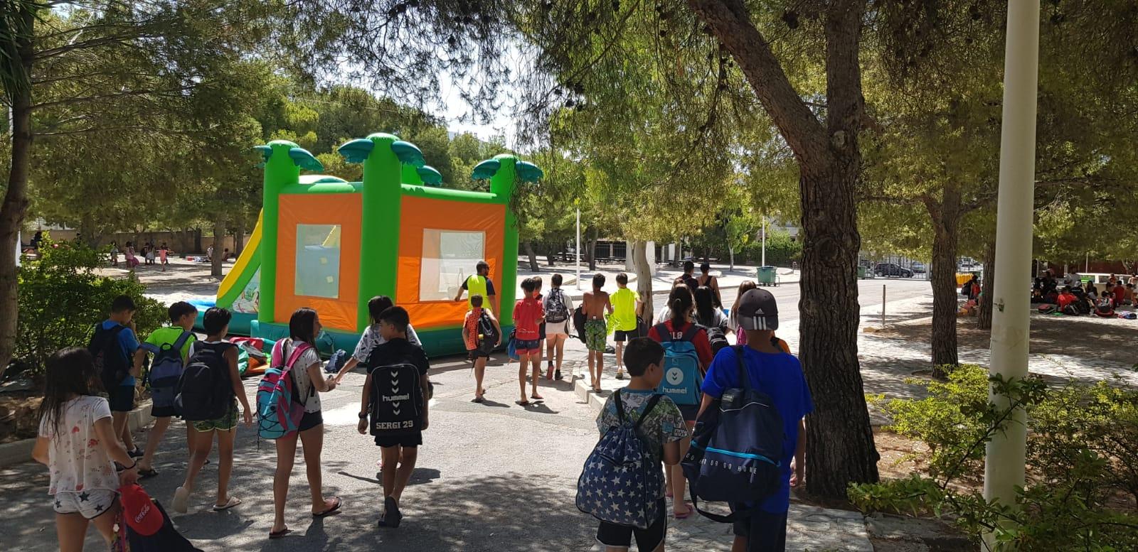 Finaliza el primer turno de la Escuela Municipal de Verano con una fiesta para los 300 niños que han participado.