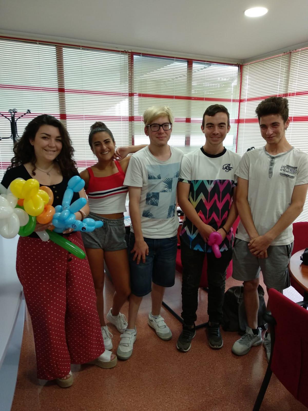 Un total de 20 jóvenes de Elda reorientan su futuro gracias al programa 'Jove Oportunitat'.