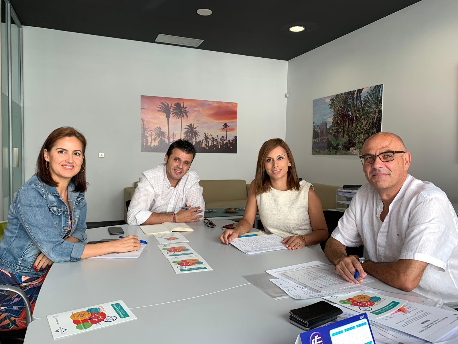 El Ayuntamiento de Elda busca generar sinergias con los empresarios locales para potenciar el empleo, la formación y la industria