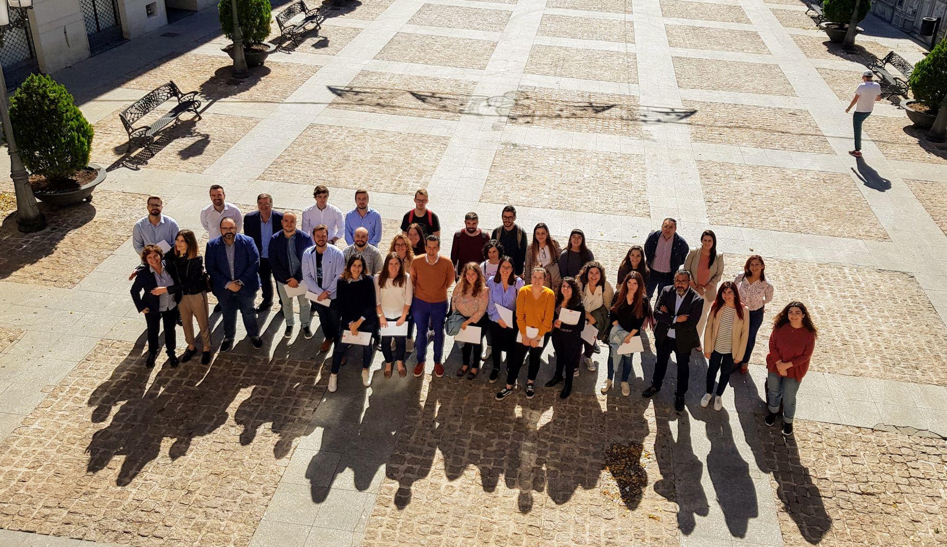 El Ayuntamiento de Elda da la bienvenida a los 23 chicos y chicas que se incorporan al Programa Emcuju 2019