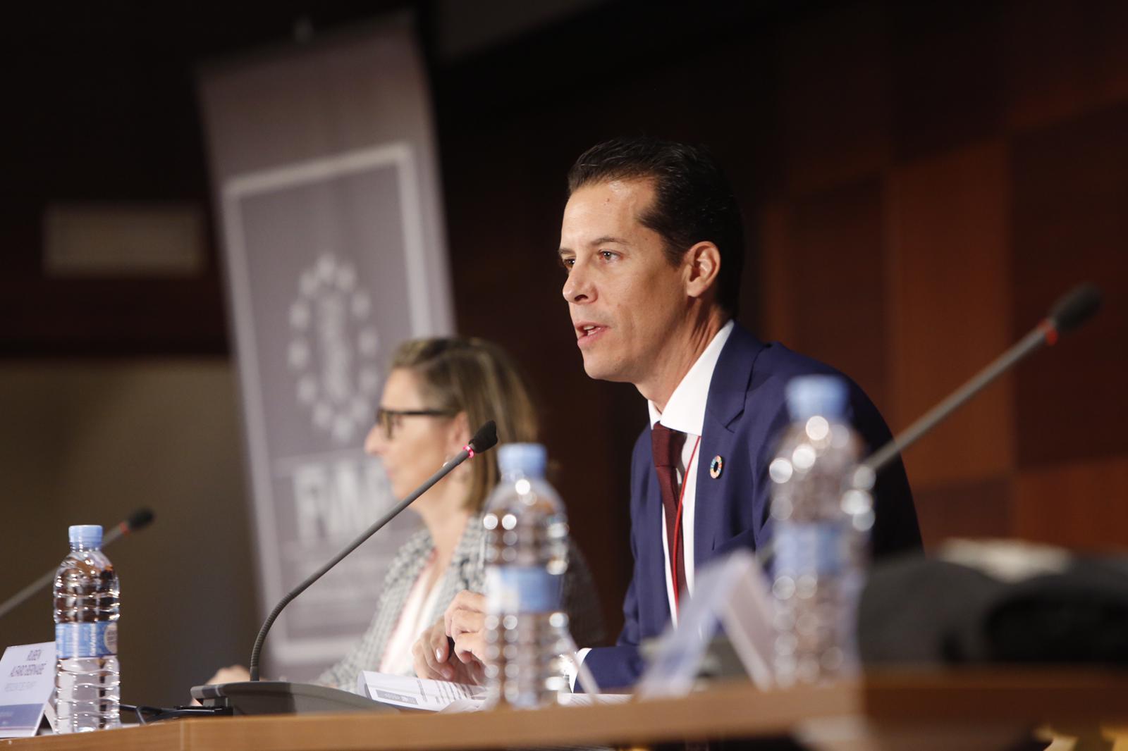 Rubén Alfaro es reelegido por unanimidad presidente de la FVMP