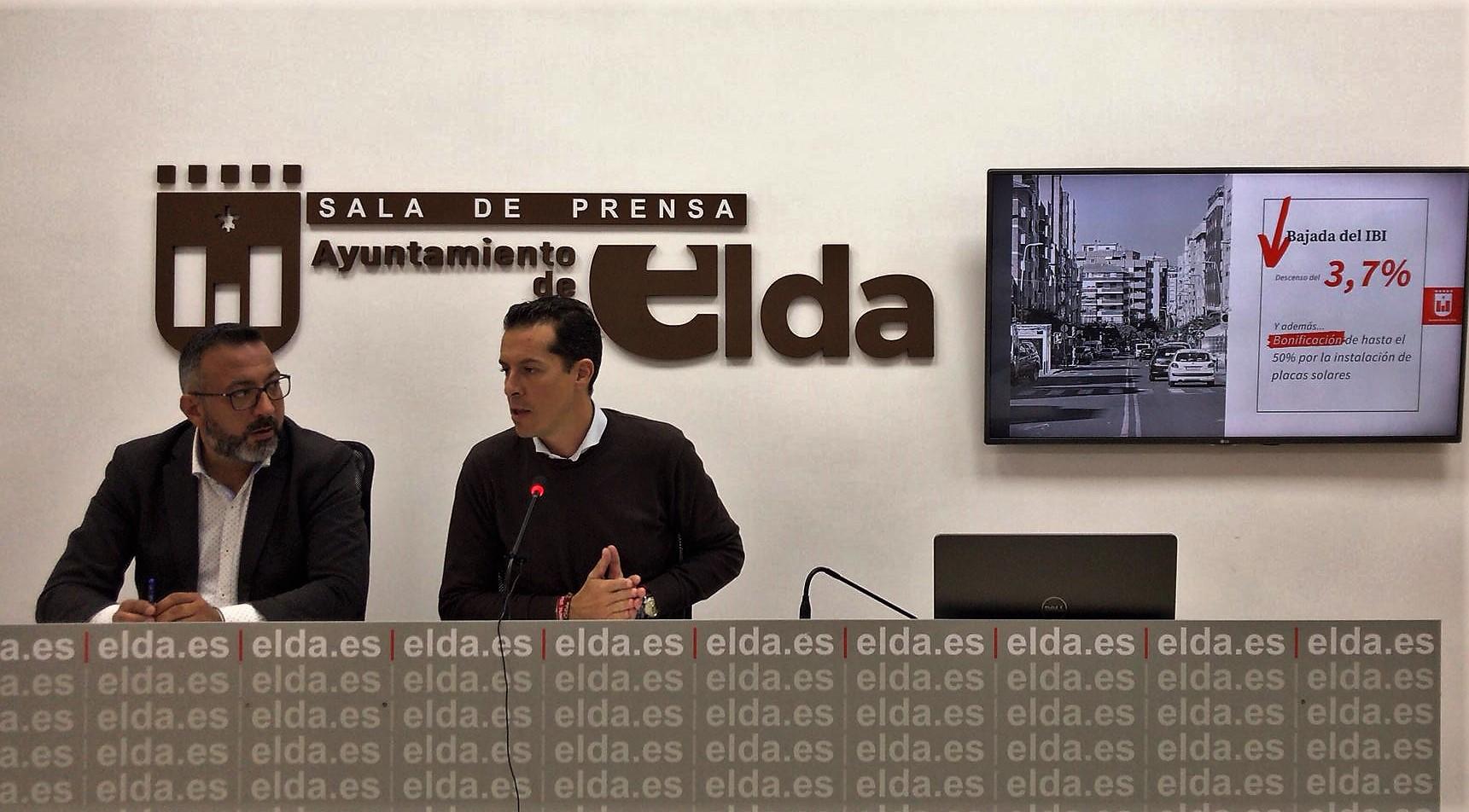 El Ayuntamiento de Elda rebaja un 3,7% el tipo impositivo del IBI y bonificará la instalación de placas solares