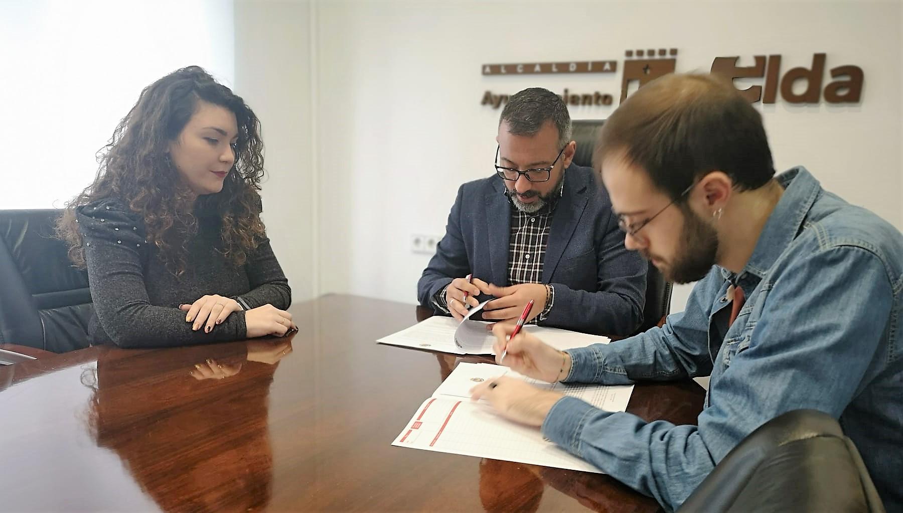 El Ayuntamiento de Elda firma el convenio de colaboración con el Consejo Local de la Juventud