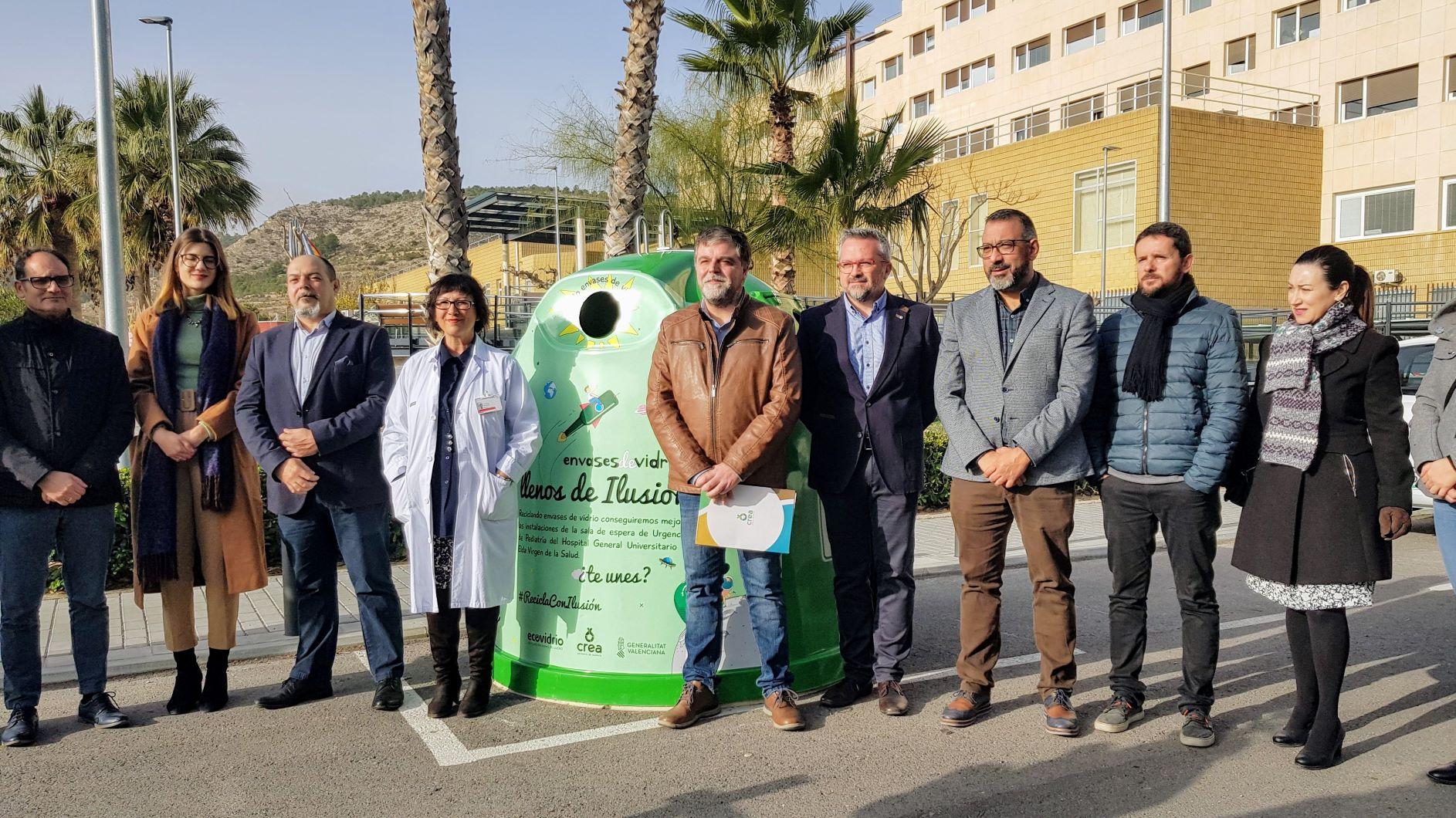 Elda contribuye en la campaña 'Llenos de Ilusión' para mejorar la sala de espera de Urgencias Pediátricas del Hospital Virgen de la Salud
