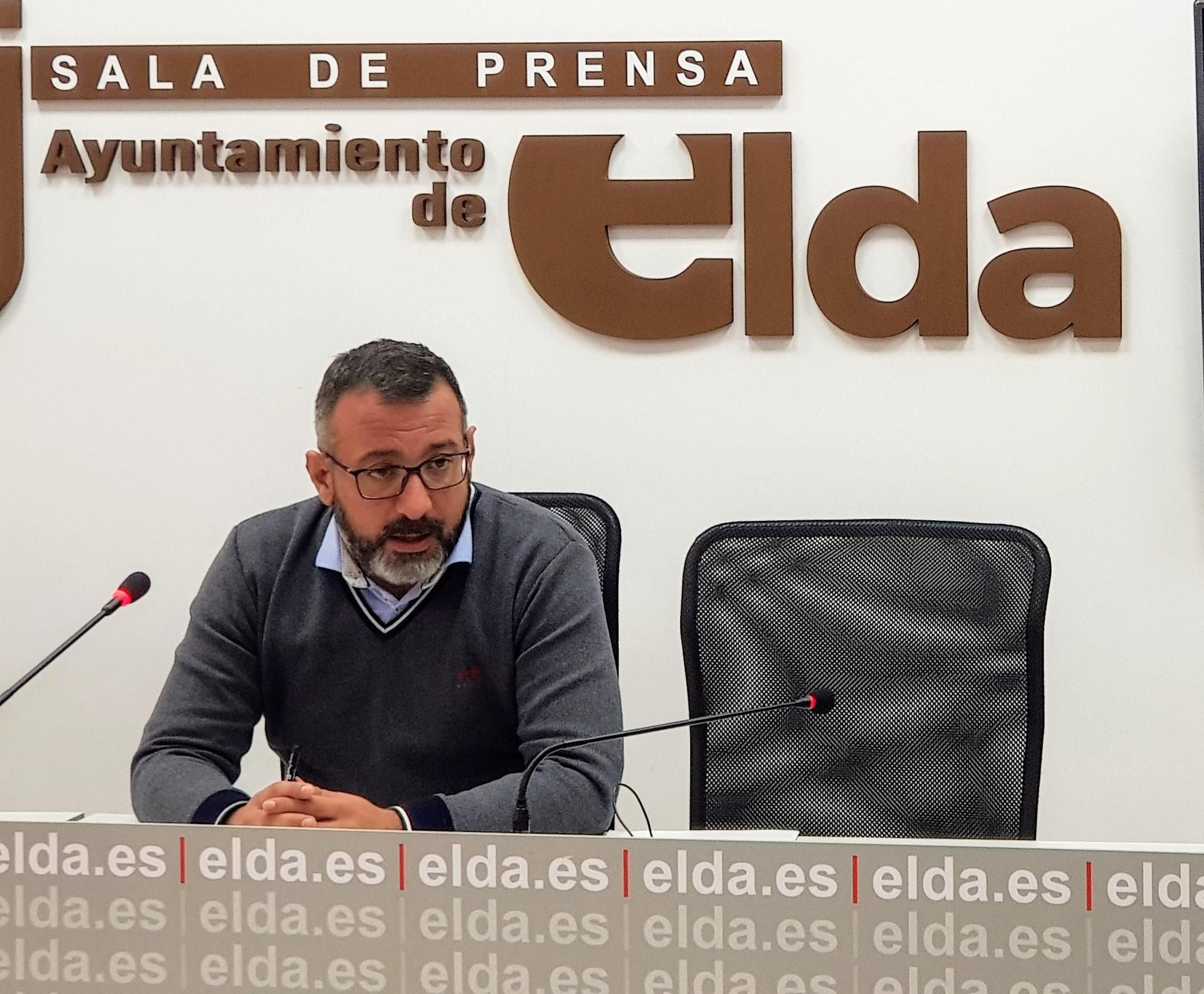 El Ayuntamiento de Elda destina cerca de 30.000 euros para el asfaltado de las calles Juan de la Cierva, Cervantes y Torres Quevedo