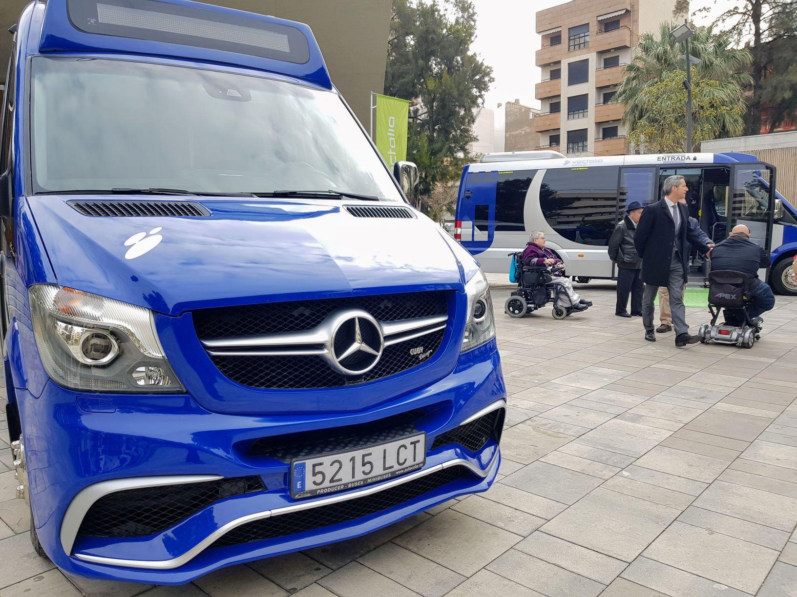 El Ayuntamiento de Elda y Vectalia renuevan la flota de autobuses urbanos con dos vehículos de última generación