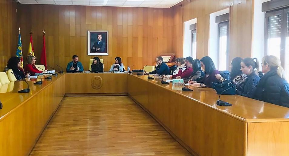 El Ayuntamiento de Elda se reúne con inmobiliarias para informarles de las ayudas oficiales para el alquiler de viviendas