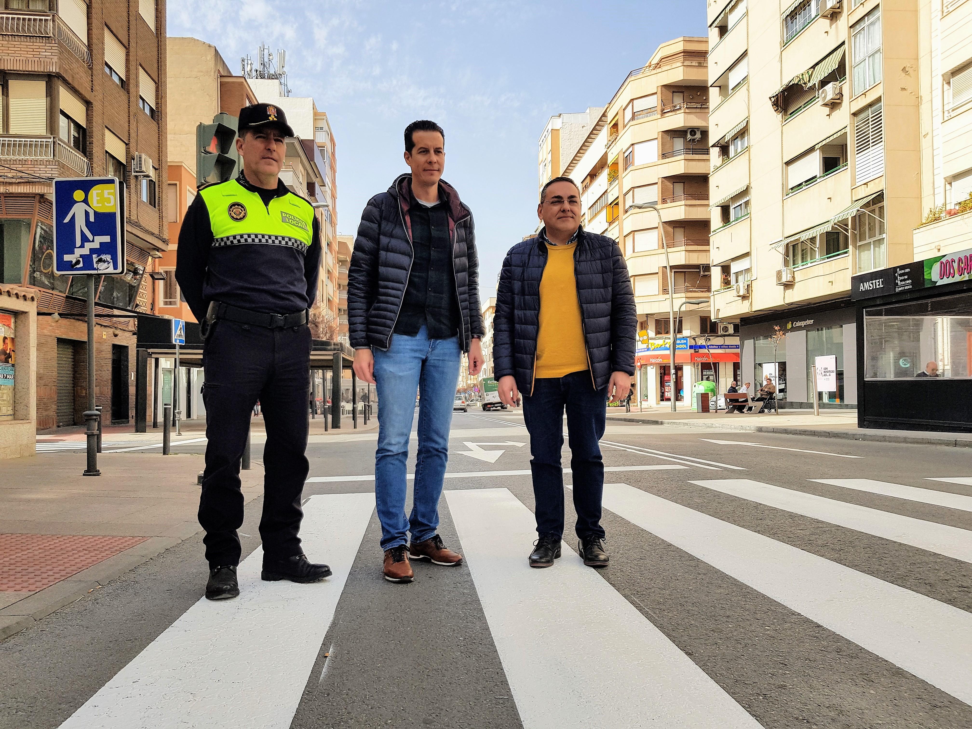 El Ayuntamiento de Elda inicia la renovación de la señalización vertical y horizontal de tráfico de toda la ciudad