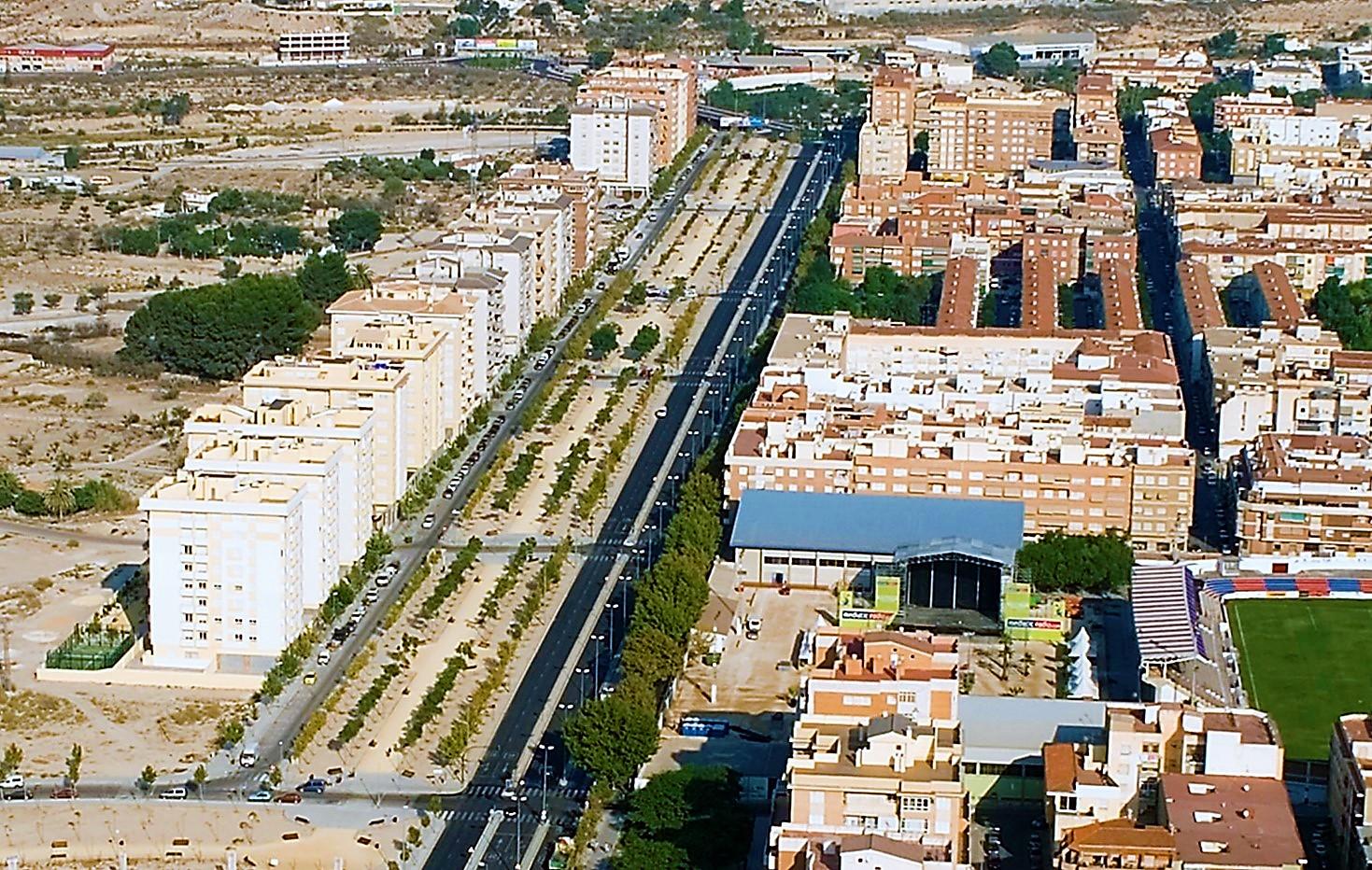 El Ayuntamiento de Elda inicia los trámites para autorizar la implantación de una superficie comercial mediana en la Avenida de Ronda