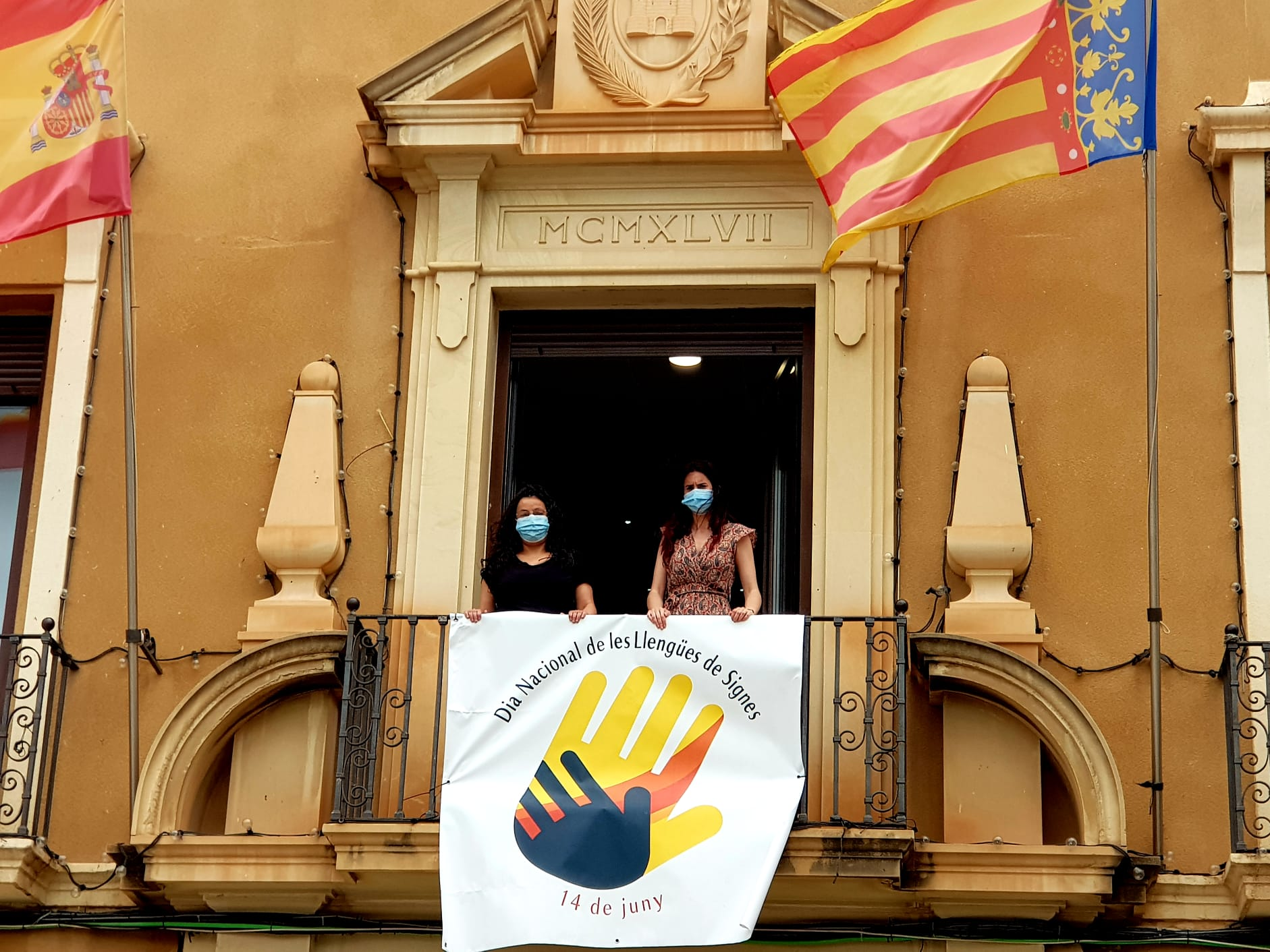 El Ayuntamiento de Elda celebra el Día Nacional de las Lenguas de Signos Españolas con la lectura de un manifiesto