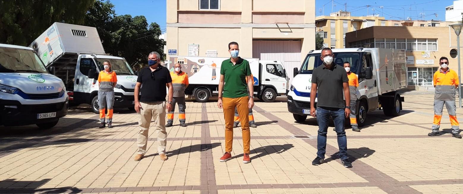 El Ayuntamiento de Elda y Fobesa continúan la renovación de la flota de limpieza y recogida de residuos con la incorporación de tres vehículos totalmente eléctricos