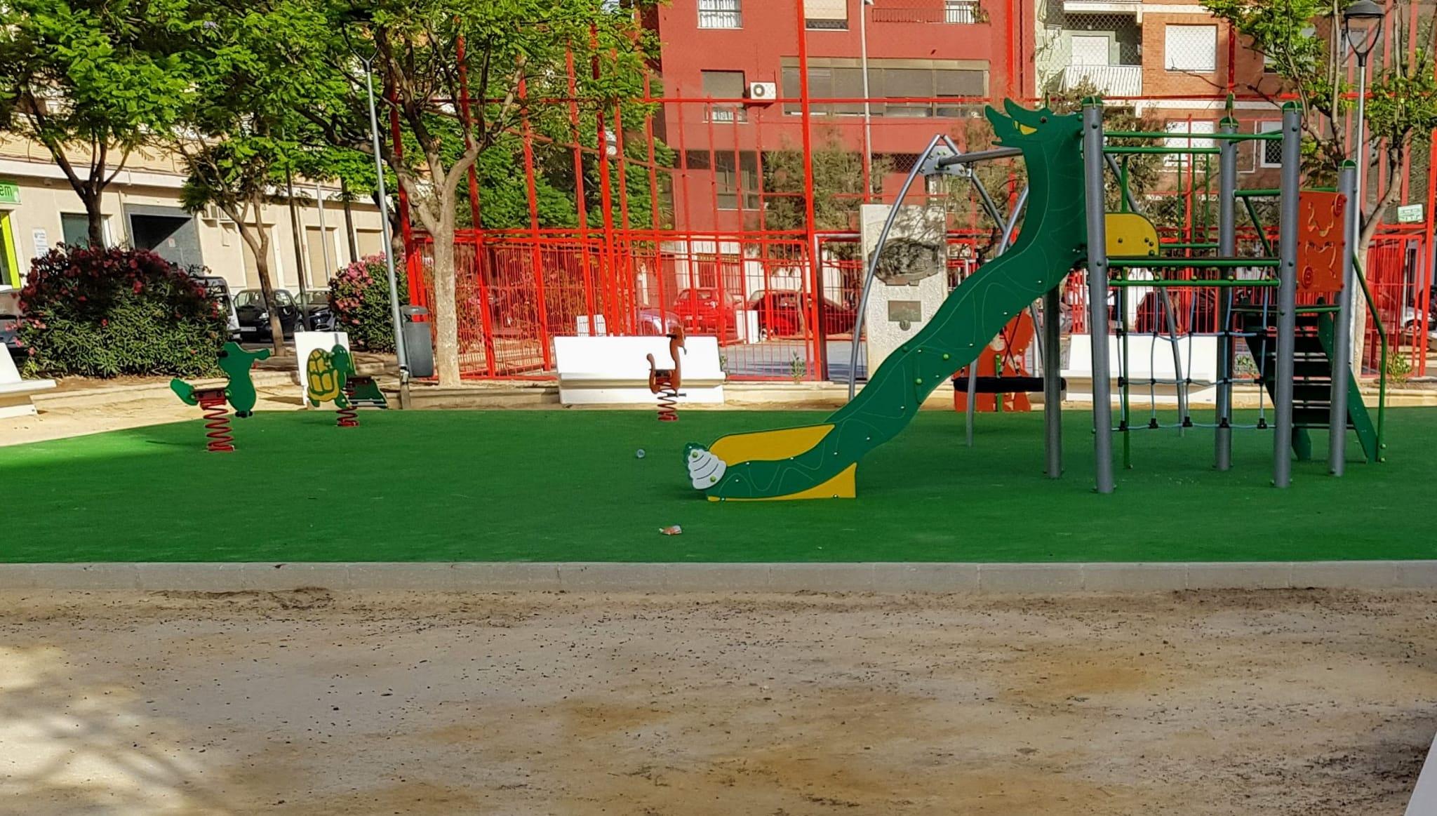 Los juegos infantiles de los parques públicos de Elda podrán volver a utilizarse a partir del sábado