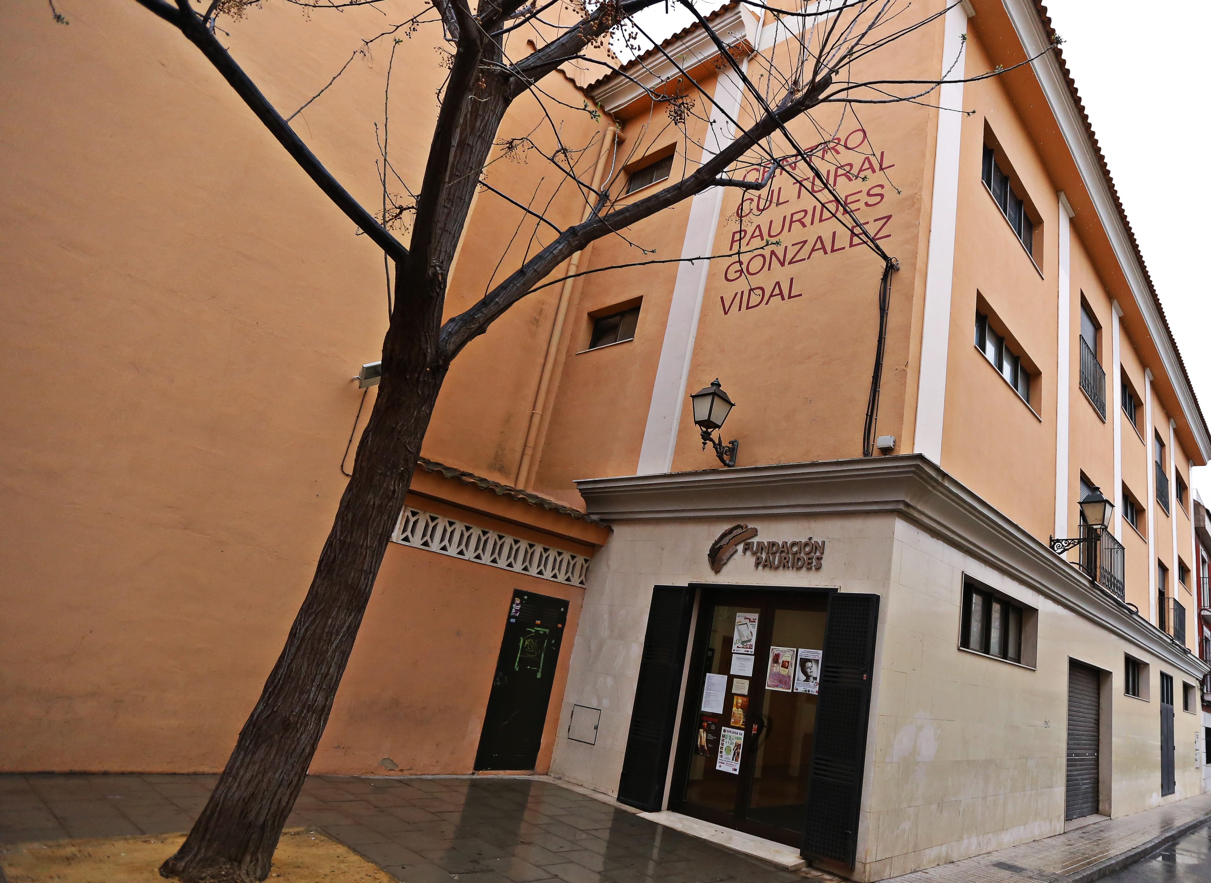 El Ayuntamiento de Elda renueva el convenio de colaboración con la Fundación Paurides por un importe de 17.000 euros