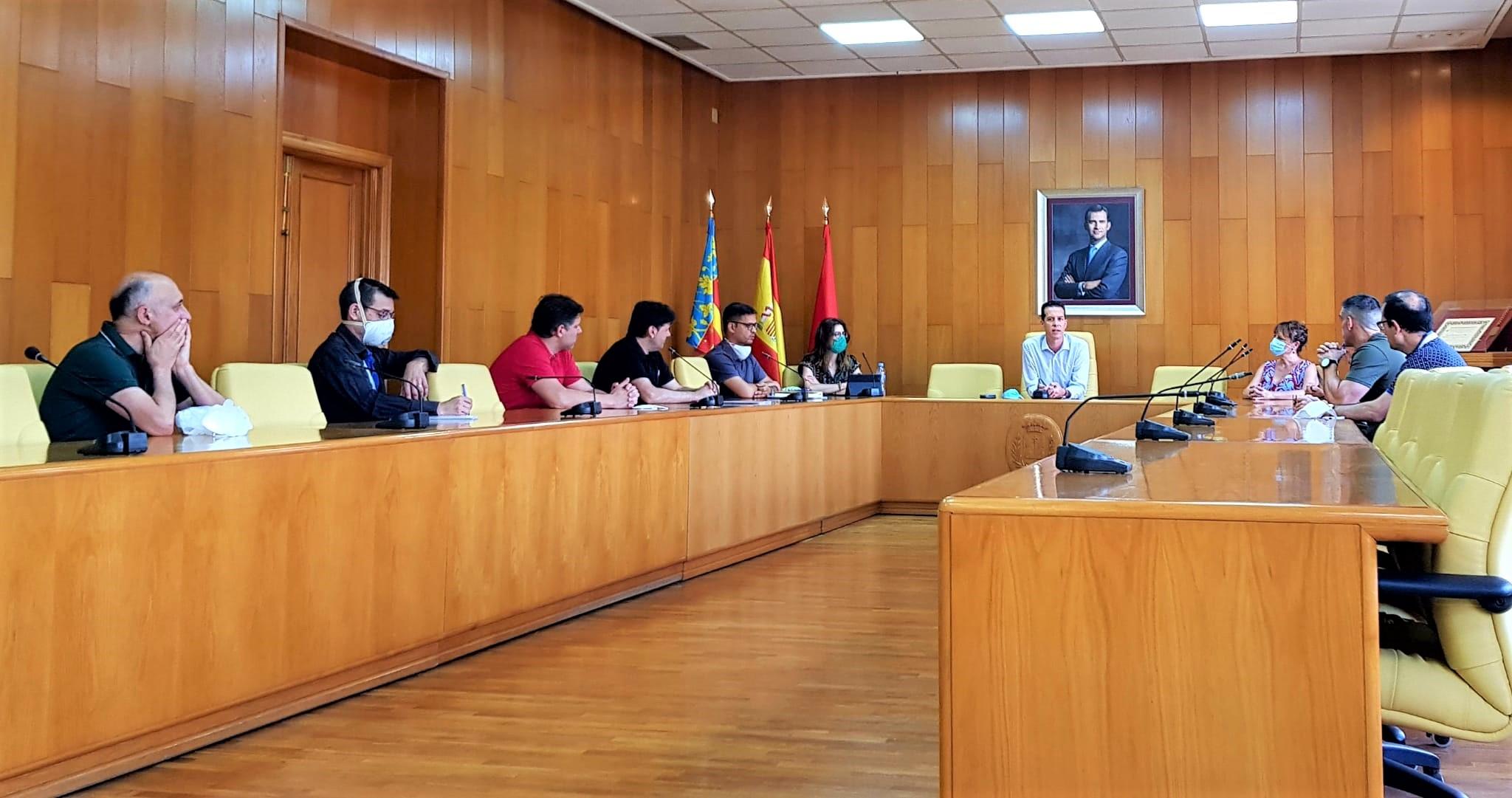 El Ayuntamiento de Elda propone  a los comerciantes y vecinos de Jaime Balmes la creación de una comisión de seguimiento del mercadillo