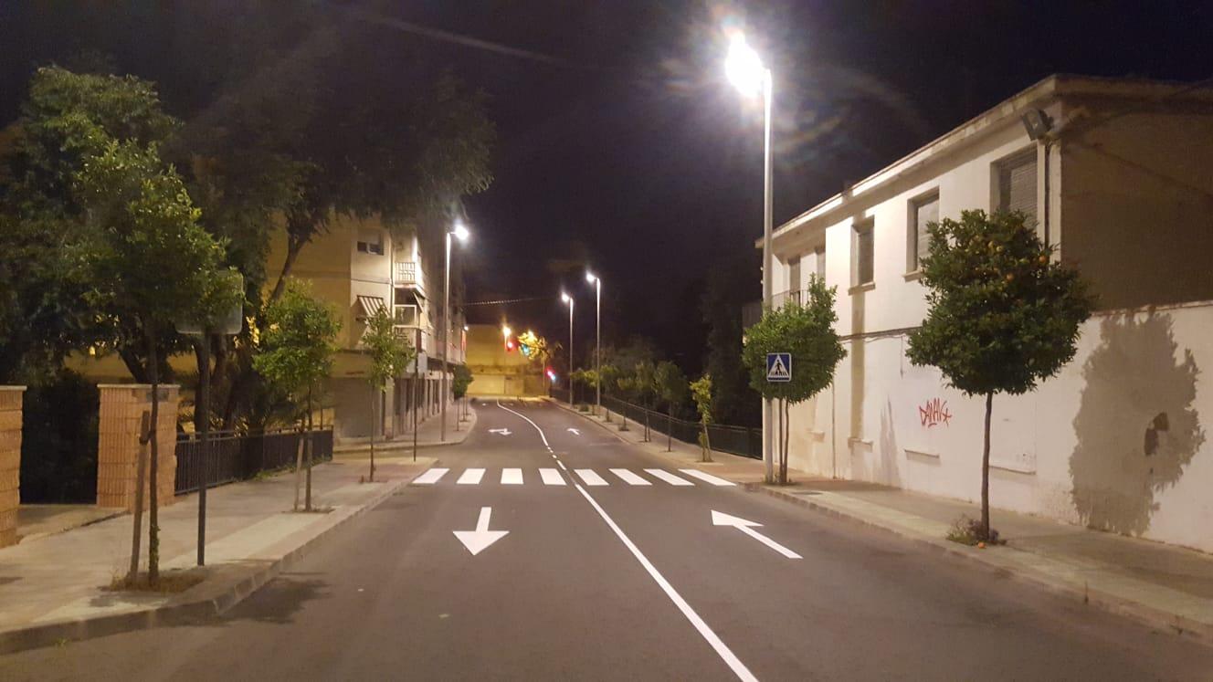 La Concejalía de Seguridad Ciudadana y Transporte retoma los trabajos de repintado de la ciudad en Avda. de Sax y Huerta Nueva