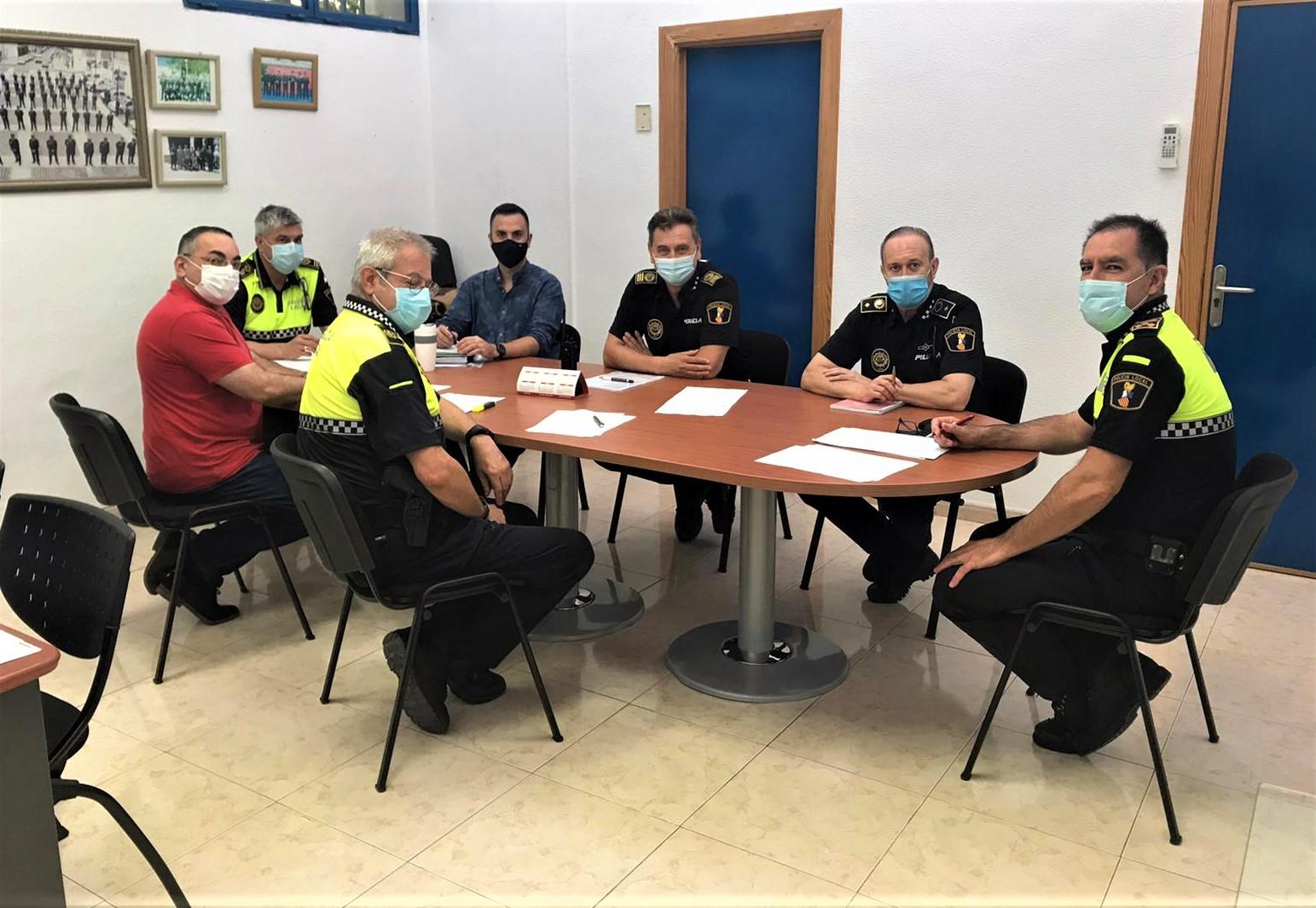 Elda y Petrer constituyen la Comisión de Tráfico, Circulación y Seguridad Vial para coordinar las actuaciones en regulación de la movilidad que afecten a ambos municipios